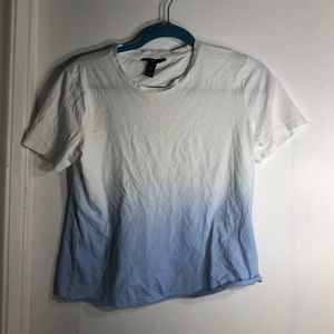 Short ombré blue and white raw hem t shirt!